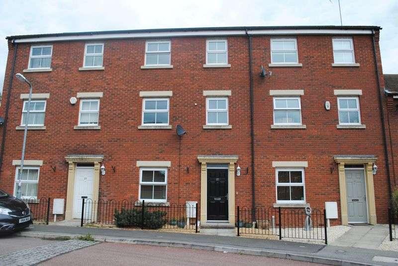 4 Bedrooms Terraced House for sale in Batsmans Drive, Rushden