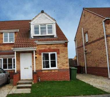 3 Bedrooms Semi Detached House for sale in Bedford Way, Scunthorpe, South Humberside, DN15 8GF
