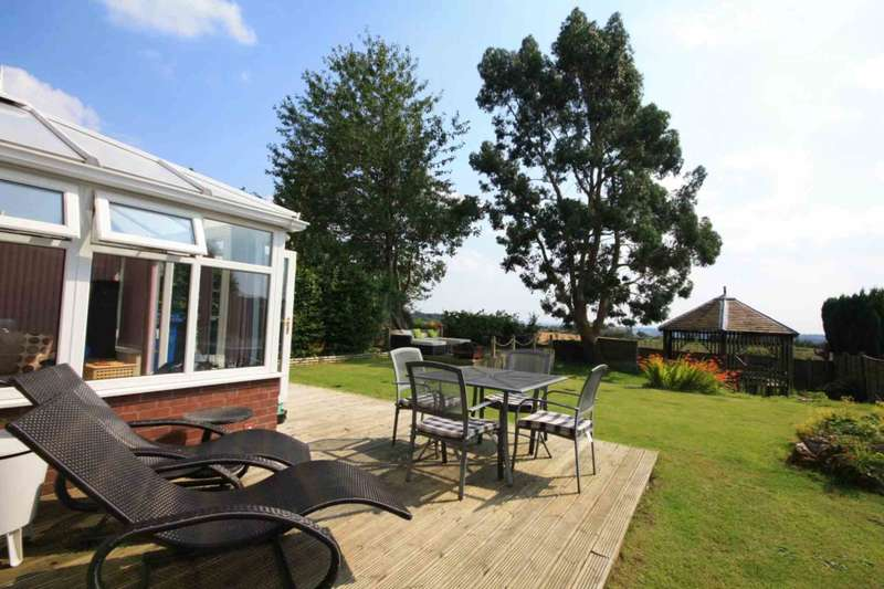 4 Bedrooms Detached House for sale in Marle Croft, Whitefield