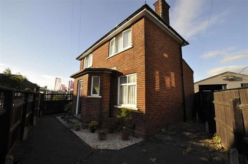 3 Bedrooms Detached House for sale in Navigation Road, Chelmsford