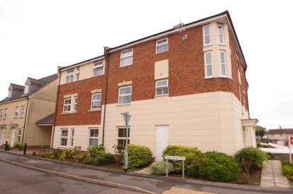 2 Bedrooms Flat for sale in Beacon Park, Plymouth, Devon