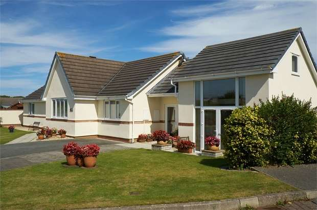 4 Bedrooms Detached Bungalow for sale in Trearddur Road, Trearddur Bay, Holyhead, Anglesey