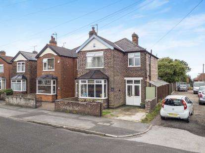 3 Bedrooms Detached House for sale in Comery Avenue, Carlton, Nottinghamshire