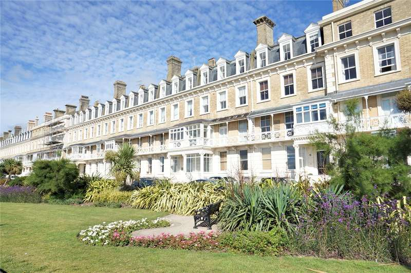2 Bedrooms Apartment Flat for sale in Heene Court Mansions, Heene Terrace, Worthing, BN11