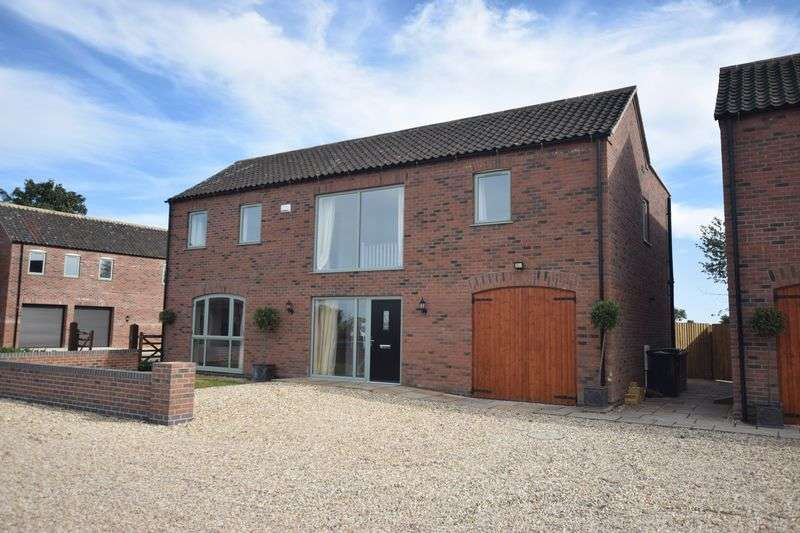 5 Bedrooms Detached House for sale in Thimbleby Road, Horncastle