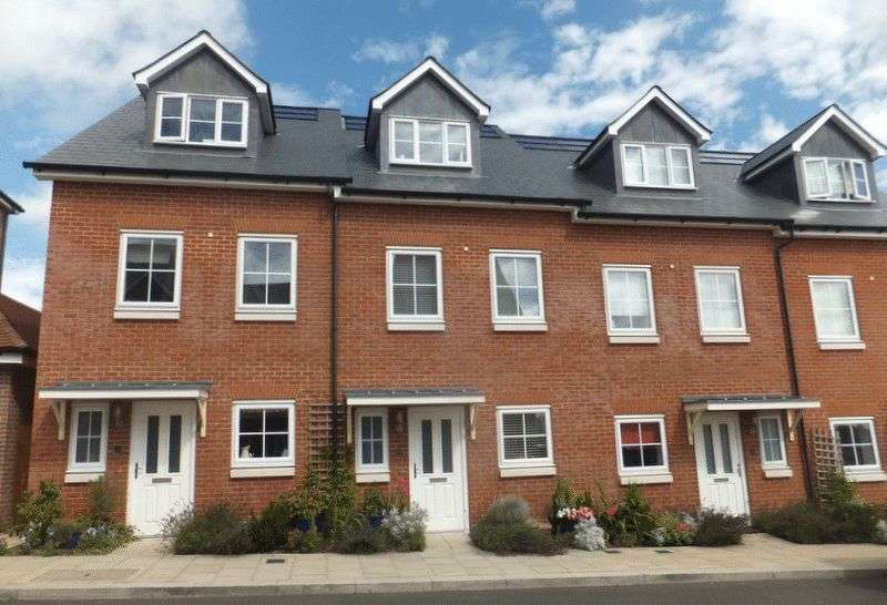 3 Bedrooms House for sale in Campion Square, Sevenoaks