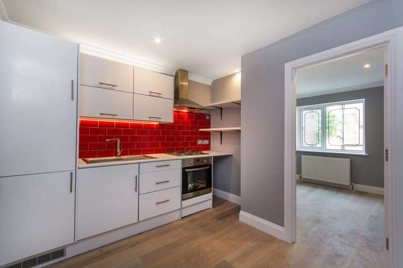 2 Bedrooms Flat for sale in Batten Street, Battersea, SW11