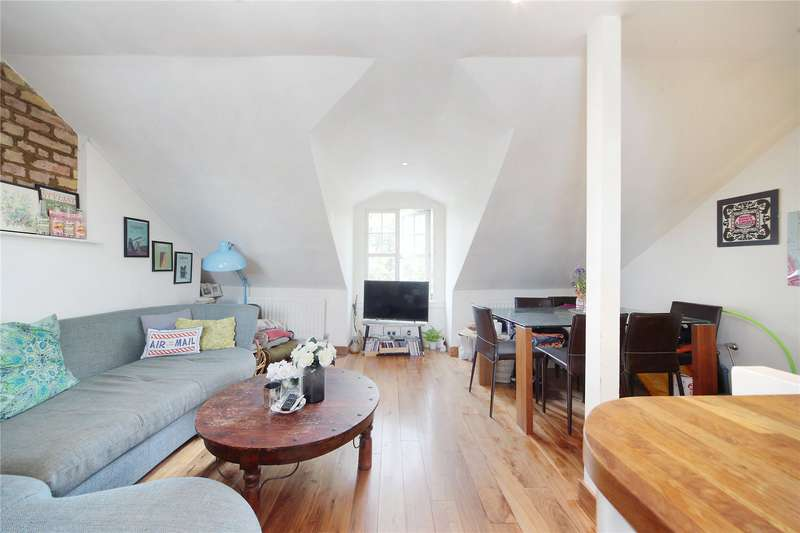 3 Bedrooms Flat for sale in Cavendish Parade, Clapham Common Southside, London, SW4