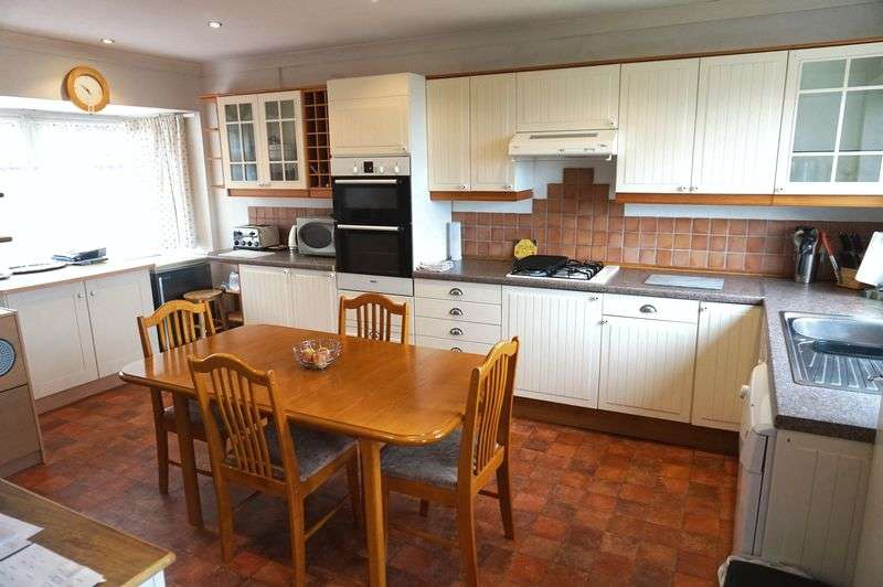 3 Bedrooms Detached House for sale in Well Street, Mow Cop