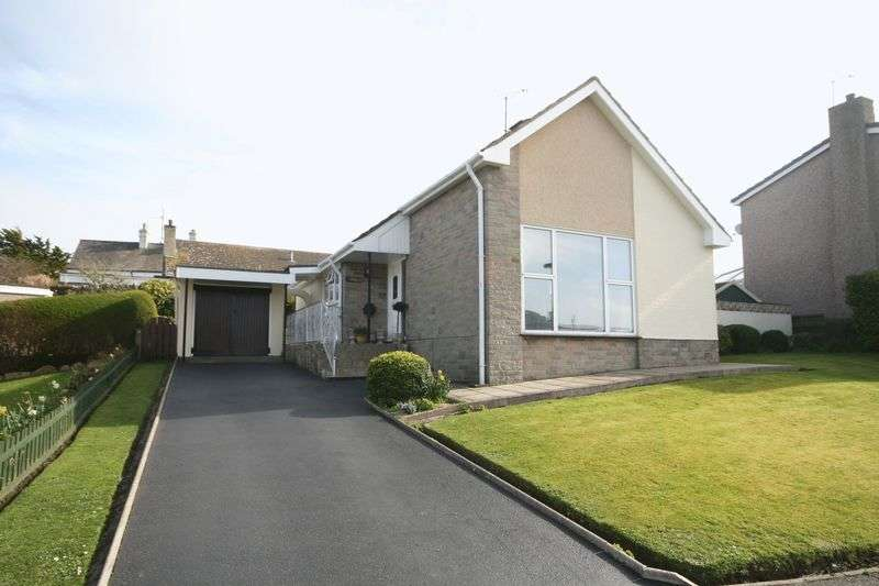 3 Bedrooms Detached Bungalow for sale in Llaingoch, Holyhead, Anglesey
