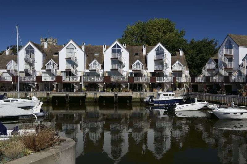 4 Bedrooms Mews House for sale in Priory Quay