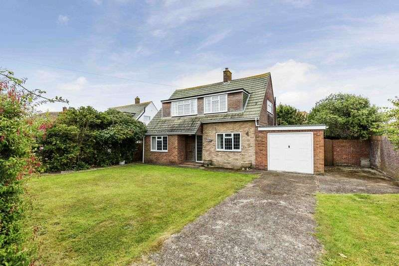 3 Bedrooms Detached House for sale in Wyborn Close, Hayling Island - UNDER OFFER