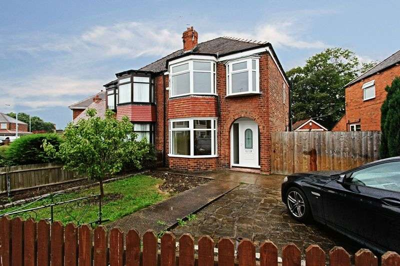 3 Bedrooms Semi Detached House for sale in Strathcona Avenue, Hull