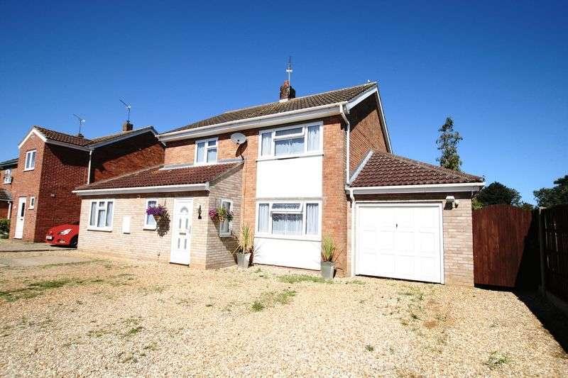 4 Bedrooms Detached House for sale in North Park, Fakenham, NR21 9RQ