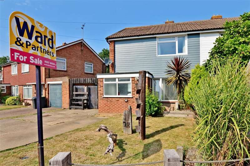 3 Bedrooms Semi Detached House for sale in Pettman Close, Herne Bay, Kent