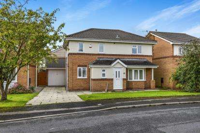3 Bedrooms Detached House for sale in Cathedral Drive, Heaton With Oxcliffe, Morecambe, Lancashire, LA3