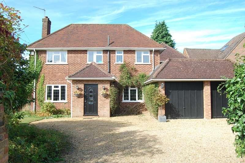 5 Bedrooms Detached House for sale in Denham Lane, Chalfont St. Peter, SL9
