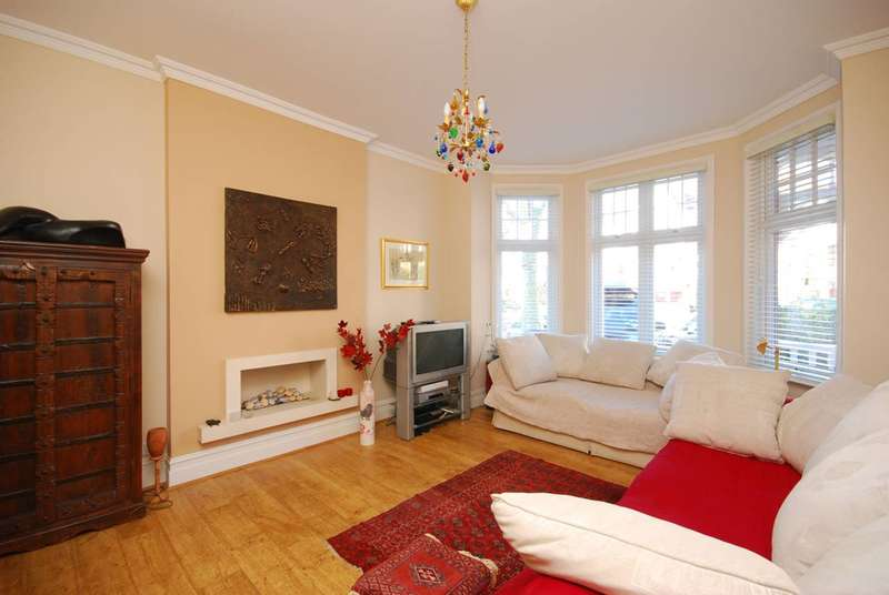 4 Bedrooms House for sale in Redston Road, Crouch End, N8