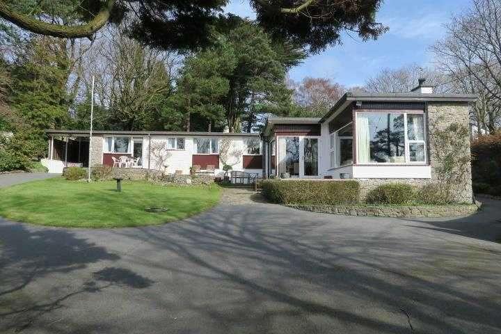 4 Bedrooms Detached House for sale in Y Swillies, Beach Road, Menai Bridge