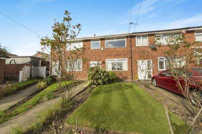 3 Bedrooms Terraced House for sale in Harewood, Clifton, Manchester, Greater Manchester