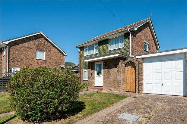 3 Bedrooms Detached House for sale in Sheerwater Crescent, Hastings, TN342 2NZ