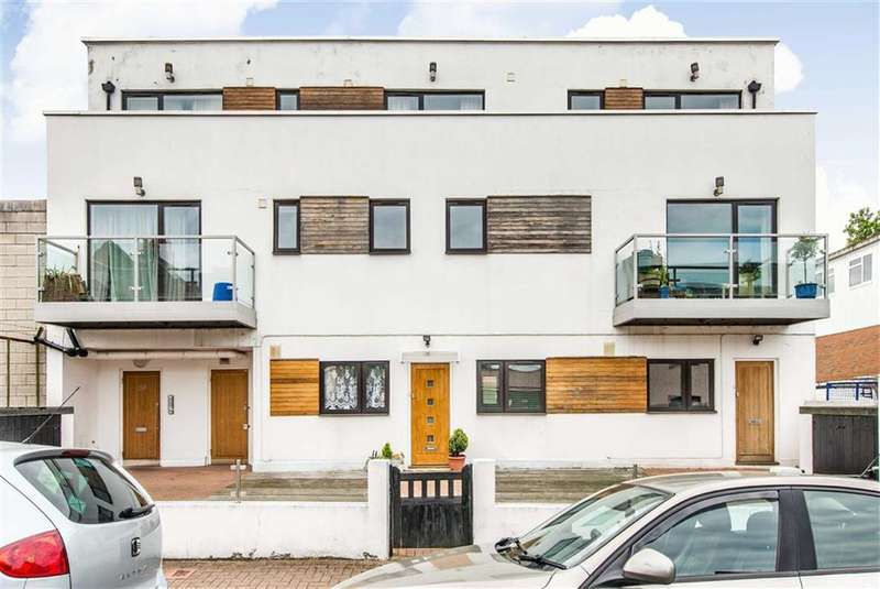 2 Bedrooms Flat for sale in Fallsbrook Road, London