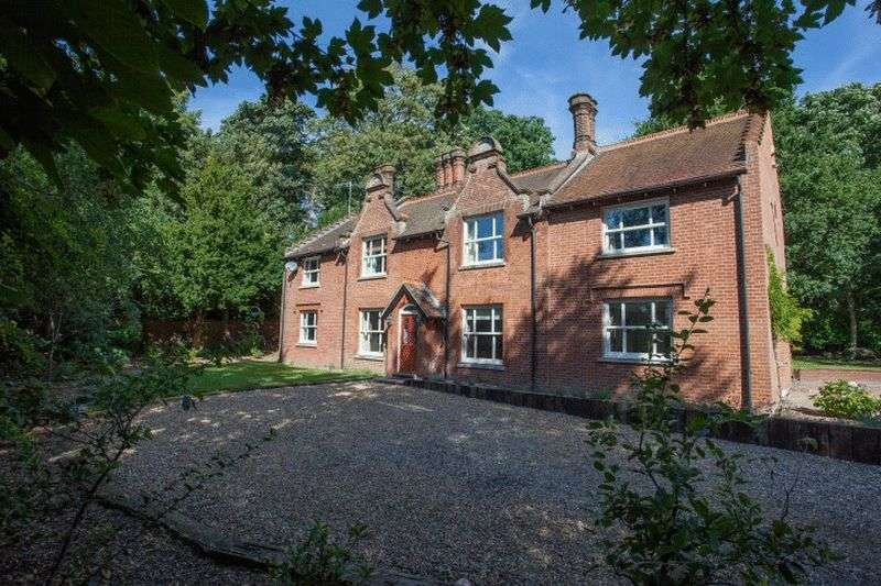 6 Bedrooms Detached House for sale in Wroxham, Norfolk