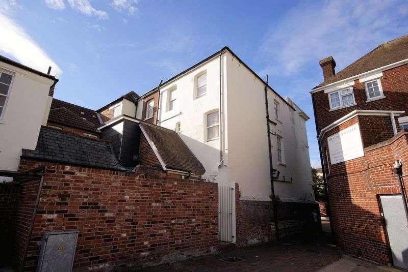 1 Bedroom Flat for sale in High Street, Gosport