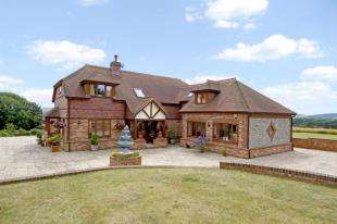 4 Bedrooms Detached House for sale in London Road, Watersfield, Pulborough, West Sussex