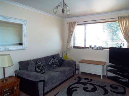 2 Bedrooms Flat for sale in Hill View Road, Bournemouth, Dorset