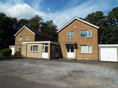 6 Bedrooms Detached House for sale in Mersey Bank Road, Hadfield, Glossop, Derbyshire