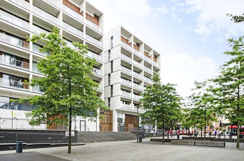 2 Bedrooms Flat for sale in Dalston Square, Dalston, E8