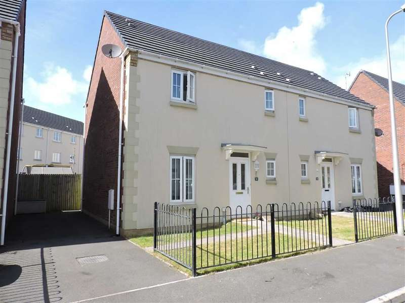 3 Bedrooms Property for sale in Moorland Green, Gorseinon