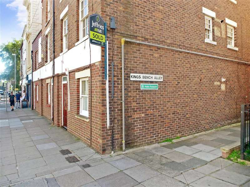 3 Bedrooms Apartment Flat for sale in Queen Street, Portsmouth, Hampshire