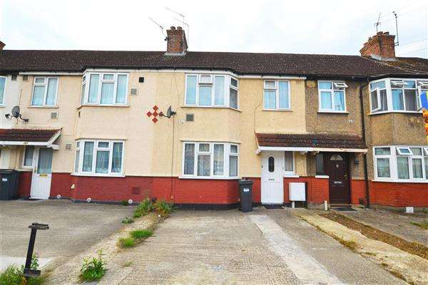 3 Bedrooms Terraced House for sale in Waye Avenue, Hounslow