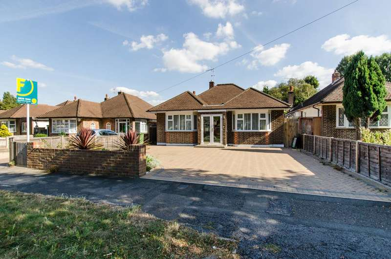 4 Bedrooms Bungalow for sale in Salisbury Road, Worcester Park, KT4