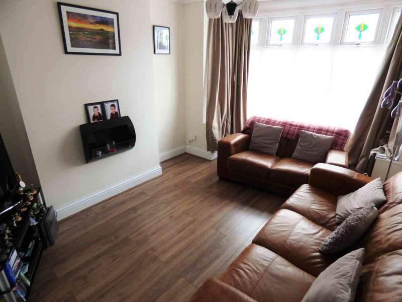 3 Bedrooms Semi Detached House for sale in ***REDUCED*** Corporation Road, Redcar