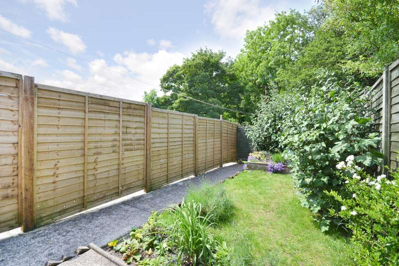 2 Bedrooms Terraced House for sale in Carisbrooke, Isle Of Wight