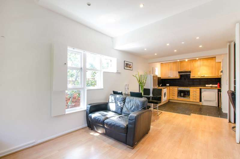 1 Bedroom Flat for sale in Moreton Street, Pimlico, SW1V