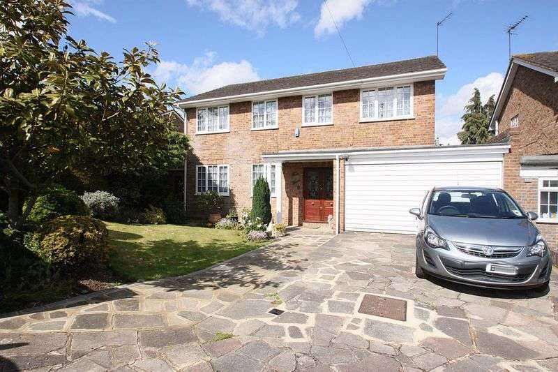 4 Bedrooms Detached House for sale in St. Johns Road, Loughton