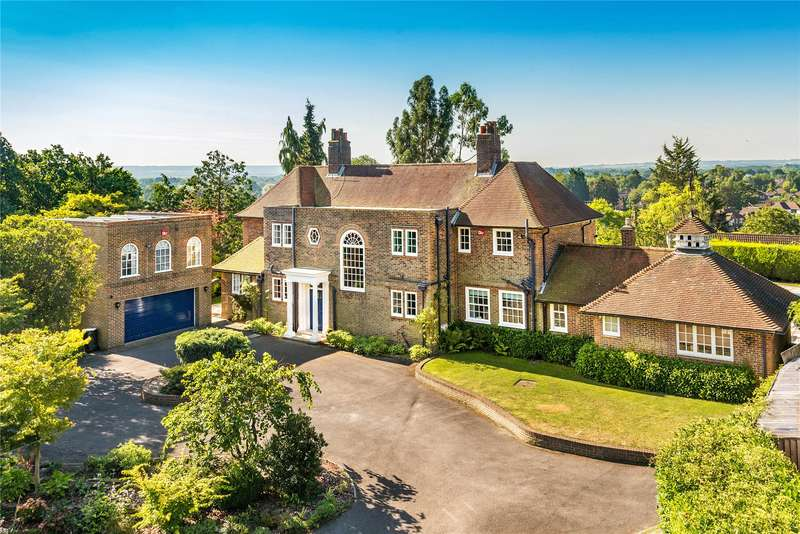 5 Bedrooms Detached House for sale in Wych Hill Lane, Woking, Surrey, GU22