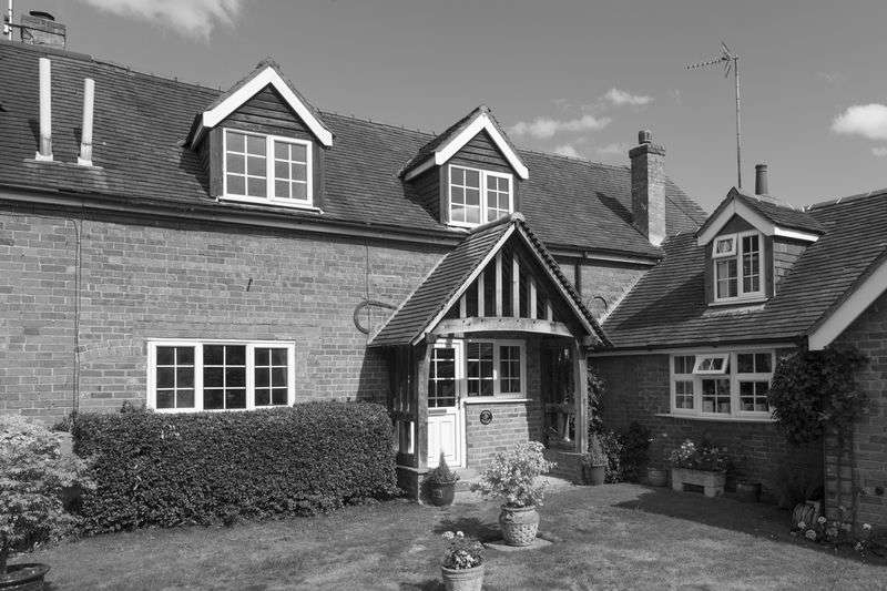 3 Bedrooms House for sale in Pratts Lane, Studley
