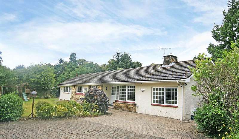 4 Bedrooms Detached Bungalow for sale in Teggs Lane, Pyrford, Surrey, GU22