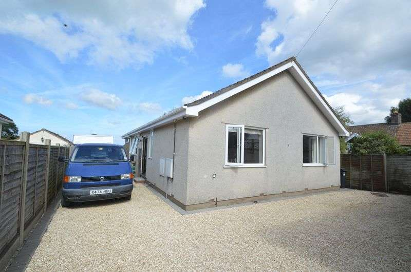 3 Bedrooms Detached Bungalow for sale in Main Road, Cleeve