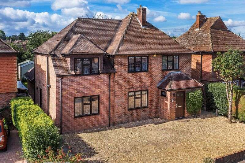 5 Bedrooms Detached House for sale in Burpham