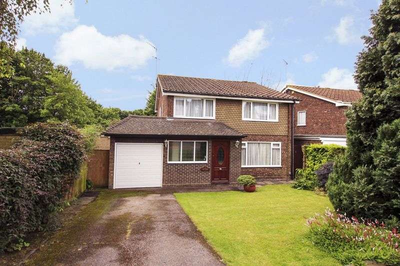 4 Bedrooms Detached House for sale in Wootton Drive, Hemel Hempstead