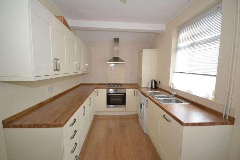 2 Bedrooms Terraced House for sale in New Queen Street, Kingswood, Bristol