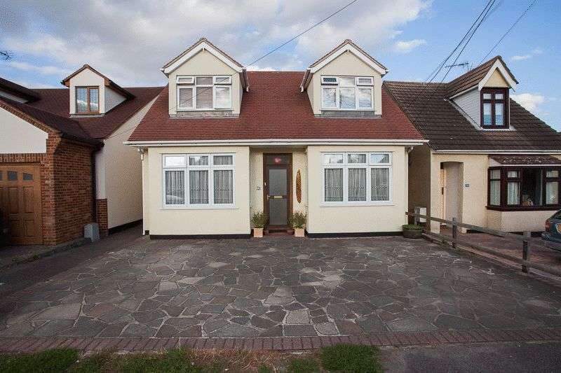 4 Bedrooms Detached House for sale in Ashingdon Road, Rochford