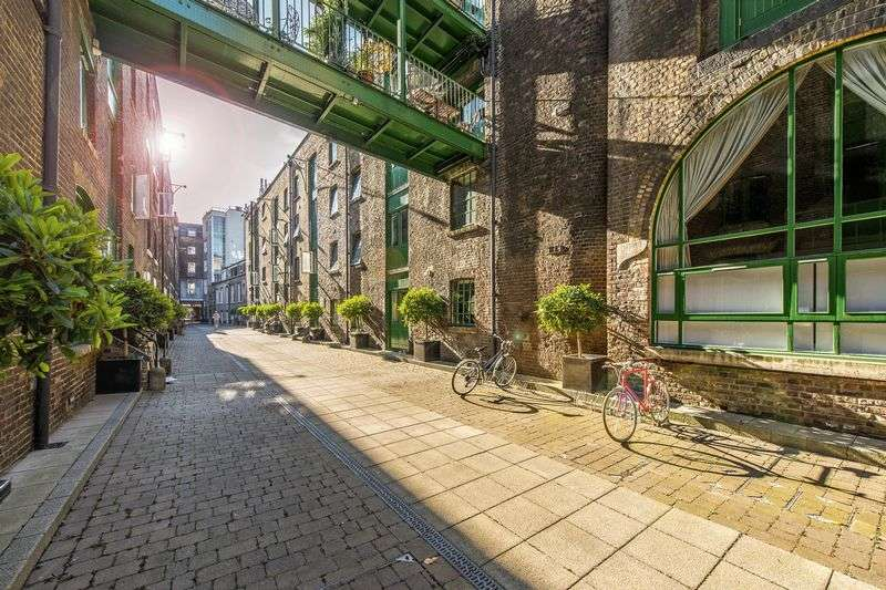 2 Bedrooms Flat for sale in Maidstone Buildings Mews, Borough SE1