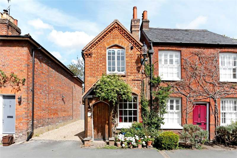 2 Bedrooms Terraced House for sale in Church Street, Great Missenden, Buckinghamshire, HP16